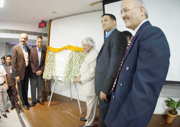 Former President of India, Dr. Kalam inaugurating Srujuna innovation center with Mr. Mohan Reddy, Dr. G.N. Rao, Prof. Ramesh Raskar, and Dr. V Sangwan